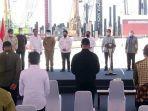 gubernur-khofifah-dan-presiden-jokowi-saat-groundbreaking-smelter-pt-freeport-di-gresik.jpg