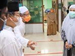 gubernur-khofifah-di-masjid-al-falah-surabaya.jpg