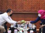 gubernur-khofifah-menerima-kunjungan-wali-kota-surabaya-eri-cahyadi.jpg