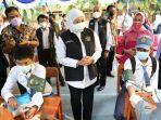 gubernur-khofifah-meninjau-vaksinasi-covid-19-di-sman-6-surabaya.jpg