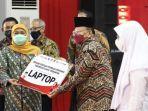 gubernur-khofifah-saat-acara-puncak-kejar-prestasi-anak-indonesia.jpg
