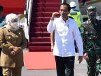 gubernur-khofifah-saat-menyambut-kedatangan-presiden-joko-widodo-di-bandara-juanda.jpg