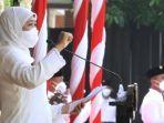 gubernur-khofifah-saat-upacara-hari-santri-nasional.jpg