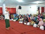 habib-novel-alaydrus-dari-solo-menyampaikan-tausiah-pada-pondok-ramadan-pkk.jpg