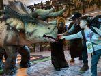 hiburan-dinosaurus-di-tunjungan-plaza.jpg