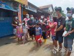 hudiyono-bagikan-masker-di-lokasi-banjir.jpg