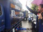 ipong-dan-600-bentor-iringi-pemberangkatan-truk-bantuan-untuk-korban-tsunami-selat-sunda.jpg