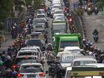 jalan-malang-macet-kemacetan-lalu-lintas_20180924_111643.jpg