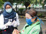 kai-daop-8-gojek-surabaya-bagi-masker-dan-hand-sanitizer.jpg