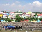 kampung-warna-warni-kenjeran-surabaya_20180405_195251.jpg