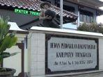 kantor-dprd-kabupaten-trenggalek-272021.jpg