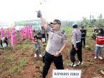 kapolres-tuban-akbp-nanang-haryono-melakukan-penanaman-1000-pohon.jpg