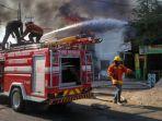 kebakaran-di-pandegiling-surabaya_20180923_201604.jpg