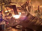 kebakaran-yang-meludeskan-pasar-baru-tuban-selasa-332020-malam.jpg