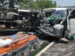 kecelakaan-maut-di-lamongan-2992021.jpg