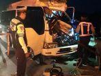 kecelakaan-minibus-elf-tol-madiun.jpg