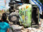kecelakaan-truk2_20180711_142117.jpg