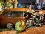 kecelakaan-xenia-dan-truk-beras-di-ponorogo.jpg