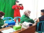kegiatan-vaksin-covid-19-dengan-peserta-para-santri.jpg