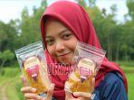 kelompok-kkn-55-mahasiswa-utm-mengenalkan-pengolahan-biji-buah-durian.jpg