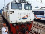 kereta-api-7420.jpg