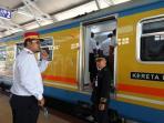 kereta-api-bojonegoro-1_20151205_164331.jpg