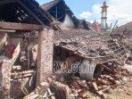 kerusakan-akibat-gempa-bumi-di-desa-majang-tengah-kecamatan-dampit-kabupaten-malang-tiga.jpg