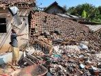 kerusakan-rumah-akibat-gempa-bumi-di-desa-jogomulyan-tiga.jpg