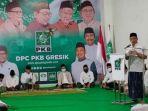 ketua-dewan-tanfidz-dpc-pkb-gresik-abdul-qodir-memberikan-sambutan.jpg