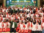 khofifah-berfoto-bersama-para-atlet-asal-jatim-yang-akan-bertanding-di-sea-games-2019.jpg