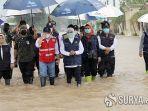 khofifah-tinjau-banjir-di-jombang.jpg