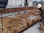 kolam-renang-yang-tengah-dibangun-pemkot-surabaya-di-jambangan-senin-912.jpg