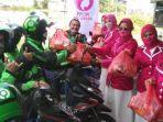 komunitas-perhimpunan-perempuan-lintas-profesi-pplipi-membagikan-sembako.jpg