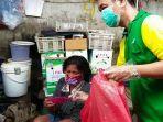 komunitas-tolong-menolong-berbagi-masker.jpg