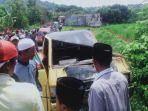 kondisi-mobil-pikap-seusai-menabrak-tiang-pju-desa-bangsereh-batumarmar-kabupaten-pamekasan.jpg