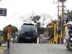kota-blitar-kondisi-perlintasan-kereta-api-di-lingkungan-ngegong-gedog-kecamatan-sananwetan.jpg
