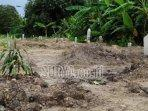 lahan-pemakaman-khusus-covid-19-di-lingkungan-tropodo.jpg
