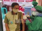 lansia-vaksinasi-covid-19-kelurahan-klampok-kecamatan-sananwetan-kota-blitar.jpg