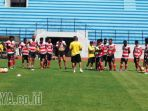 latihan-madura-united_20170411_123057.jpg