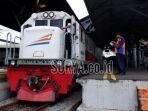 lokomotif-kereta-api-ka-daop-8-surabaya.jpg