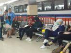 lonjakan-jumlah-penumpang-kereta-api-di-musim-mudik-lebaran_20180610_183308.jpg