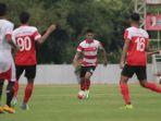 madura-united-main-di-magelang-cup_20170329_211135.jpg