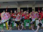 mahasiswa-australia-belajar-jaranan-di-ubaya_20180409_182634.jpg