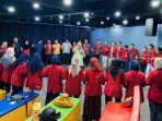 mahasiswa-um-surabaya-kunjungi-dpr-ri-mk-kementerian-ln-kpk-untuk-edukasi-antikorupsi.jpg
