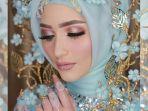make-up-glamor-dengan-sentuhan-glitter_20180725_131248.jpg