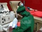 mantan-pasien-covid-19-mendonorkan-plasma-darah-konvalesennya.jpg