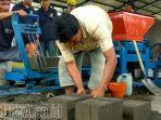material-bangunan-dari-lumpur-lapindo_20171124_211155.jpg