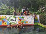 memoles-sumber-air-kaya-warna-di-desa-giring-kecamatan-manding-kabupaten-sumenep.jpg