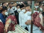 menteri-perdagangan-muhammad-lutfi-meninjau-harga-sembako-di-pasar-wonokromo-surabaya.jpg