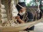 miniatur-kapal-dar-limbah-kayu-karya-pemuda-desa-sukoharjo.jpg